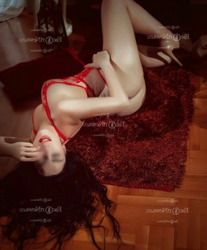 Wilfrida tantra massage in Burley